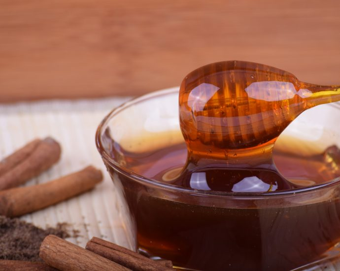 Miel con canela, un potente remedio natural