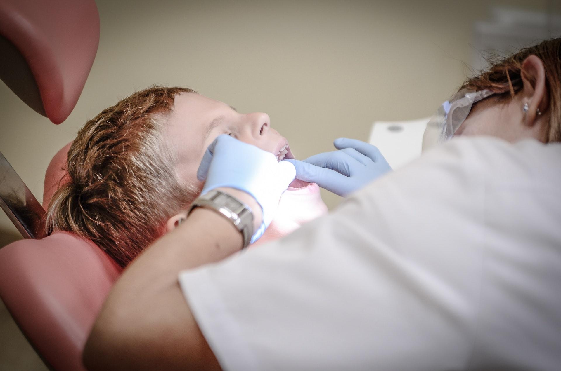 Las primeras visitas del niño a un consultorio dental