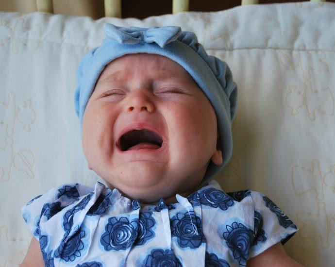 Todo lo que debes saber sobre los cólicos del bebé